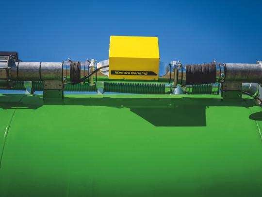 Umístěním NIR senzoru HarvestLab3000 na aplikační cisternu umožňuje měření obsahu sušiny, N, NH4, P2O5 a K2O a v reálném čase dodržovat požadovanou dávku. Ta se mění pomocí změny rychlosti aplikační soupravy při konstantním průtoku materiálu nebo změnou d